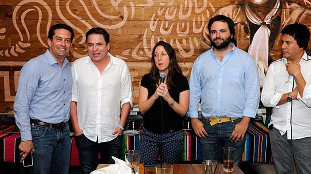 De izquierda a derecha: Miguel Torres Morales, Edmundo Del Águila Herrera, Francesca Varda, Alberto De Belaunde, Edwin Vergara Pinto