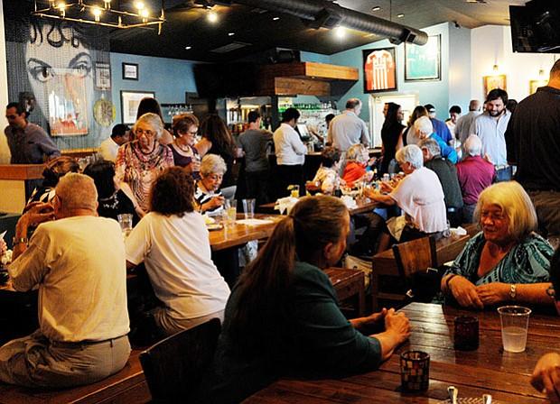 Recepción de Despedida en el Restaurante Takoba