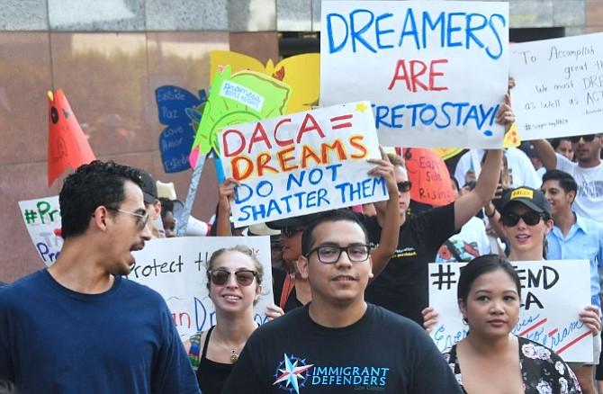 Trump elimina DACA y da 6 meses para buscar solución