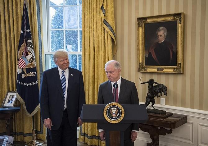 Trump no tuvo el valor de anunciar el fin de DACA
