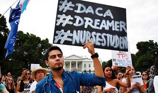 """Treinta """"soñadores"""" en huelga de hambre ante el Congreso de EEUU"""