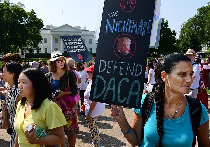 """Las compañías ofrecen a los """"Soñadores"""" protección legal luego que Trump eliminara DACA"""