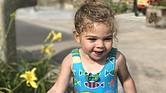 Jasmine Winning, de 2 años, de Santa Clarita, California, tiene una condición cardíaca congénita por la que tendrá que tener su tercera cirugía el año próximo. La aseguradora de su familia ya no operará en 2018 en el estado, y su familia no sabe si el nuevo plan cubrirá la cirugía.