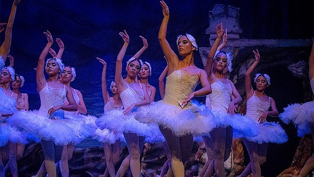 El Ballet de San Salvador hará su primera presentación internacional en el Thearc Theatre del 1901 Missisippi Avenue SE Washington 20020 a partir de las 6:30pm hora local. La entrada será gratuita.