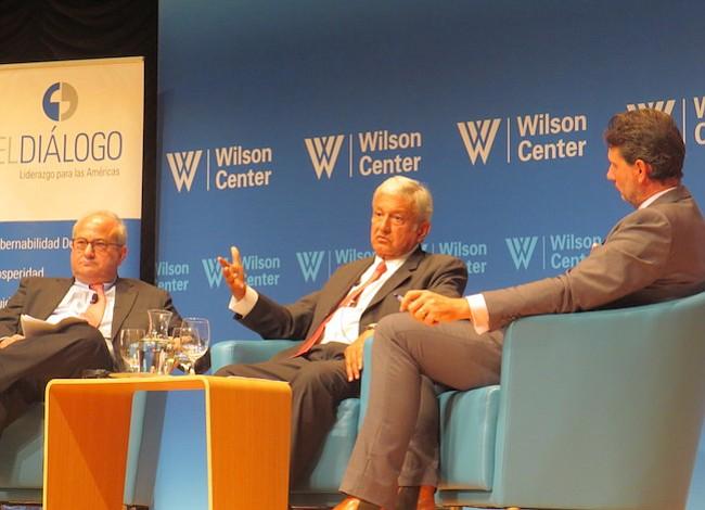 López Obrador explica su fórmula en DC
