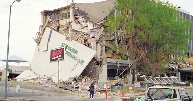 Hace 23 años ocurrió el terremoto de Northridge de magnitud 6.7 y causó pérdidas por 20 mil millones de dólares solamente en casas habitación. Foto: www.contactomagazine.com
