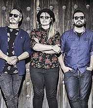"""Rosk lo forman: Rosan Sashida, Israel Bermudez, Nico Nico Nico, Rodrigo Amero y Antonio Rocco, unidos por """" el entendimiento y gusto por el rock y la experimentación sonora&#034."""