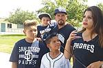 El pequeño Isaac ya camina normalmente y practica beisbol, su deporte favorito. Foto: Michelle Salazar/El Latino San Diego.
