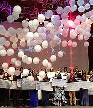 The Fillmore en Silver Spring se vistió de gala para ser el escenario de premios a 65 estudiantes.