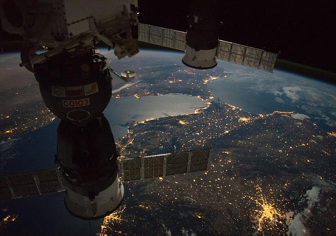 Astronautas se escondieron de fuerte erupción solar en refugio orbital
