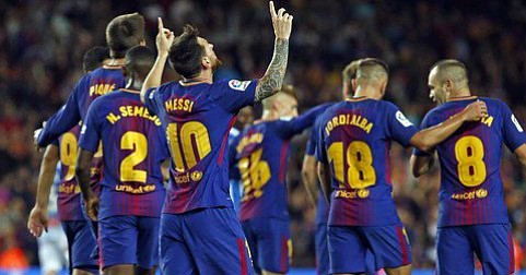 Barcelona goleó mientras que el Madrid apenas pudo empatar con el Levante