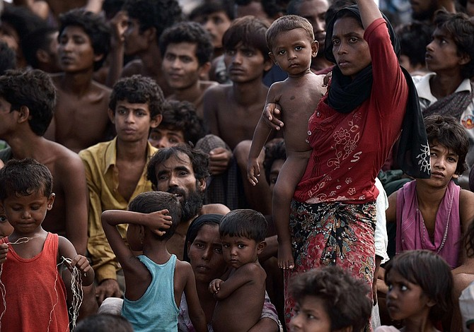 UN says 370,000 Rohingyas have fled to Bangladesh in the last 2 weeks