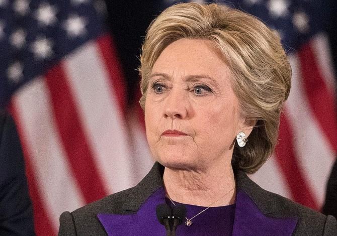 Casa Blanca considera triste que Clinton ataque a Trump en su nuevo libro