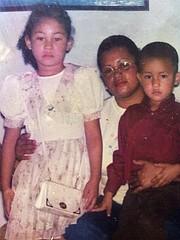 Norna Galeano, Larissa y Denis Paz.