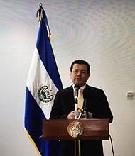 DIPLOMACIA. El Canciller de El Salvador Hugo Martínez durante su presentación ante los medios el viernes 15 de septiembre de 2017 en la Embajada de El Salvador en Washington, DC.