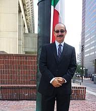 Dr. Enrique Caballero