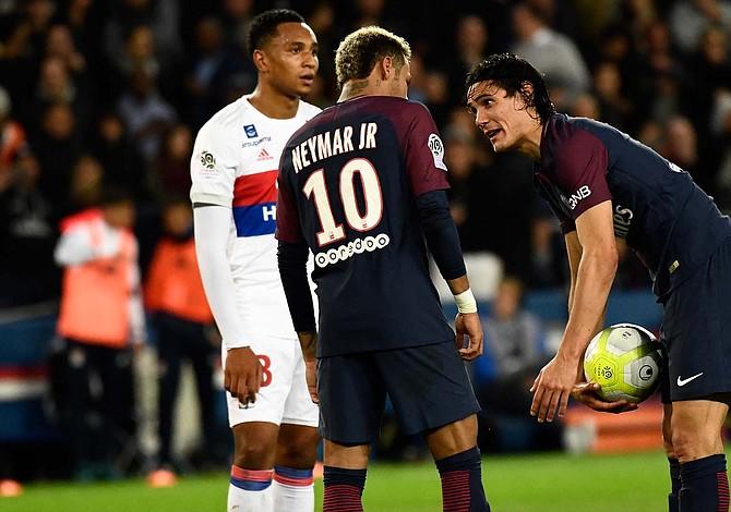 Egos de Neymar y Cavani se encontraron en el campo