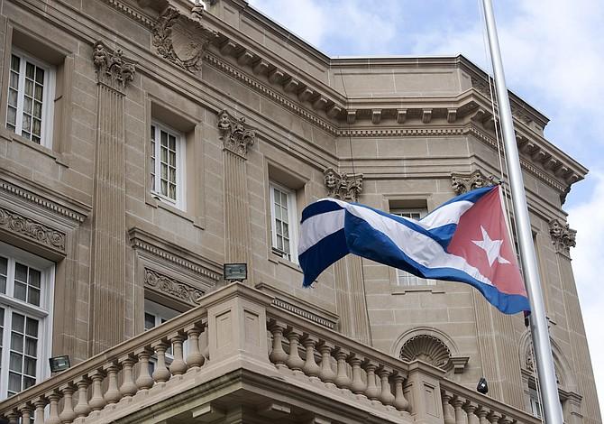 Tillerson: EE.UU. puede cerrar su embajada en Cuba