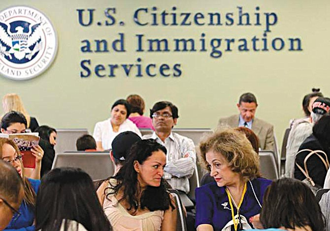 USCIS lanza advertencia implacable
