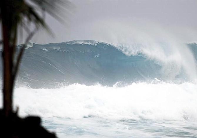 Tormenta Jose trae oleaje, corrientes y lluvias en costa este de EE.UU.