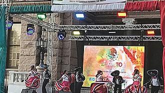 TRADICIÓN. Los bailes folklóricos de México también fueron parte de 'El Grito'.