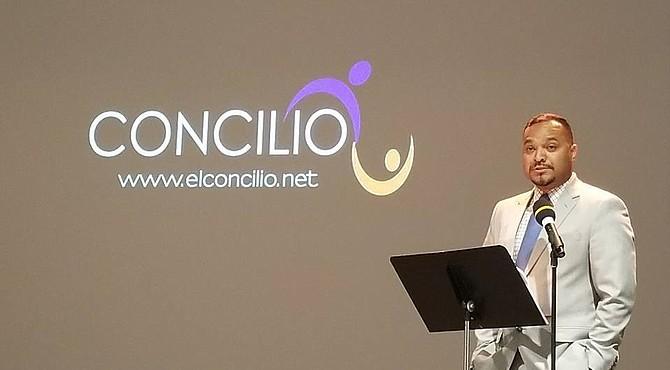 El presidente Concilio, Adonis Banegas, habló sobre su testimonio personal como hijo de padres inmigrantes originarios de Honduras.