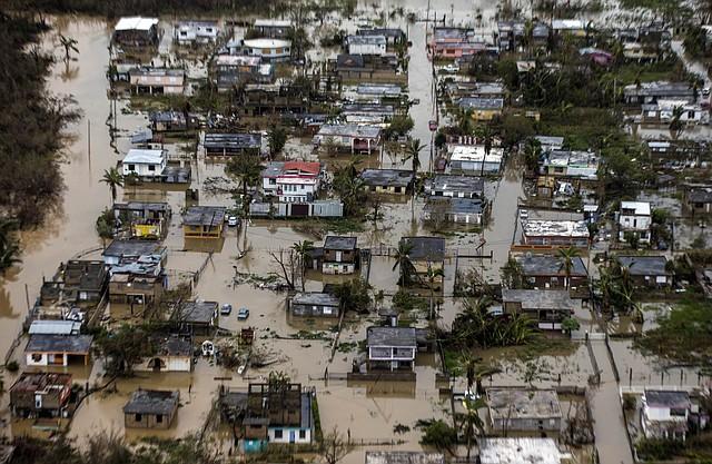 Foto aérea de las inundaciones en la ciudad costera de Loiza, en la costa norte de Puerto Rico.