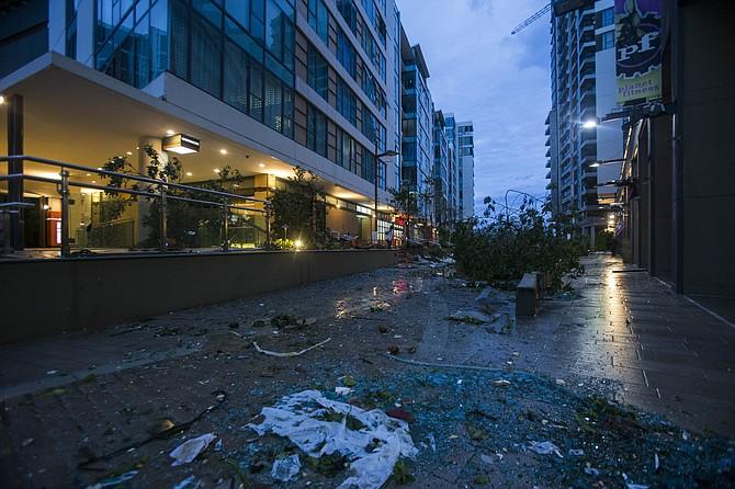 El huracán Maria dejó un camino de destrucción en Puerto Rico, incluyendo la capital San Juan.