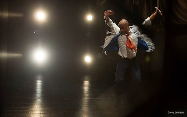 Edwin Aparicio, un salvadoreño que difunde el flamenco en Washington DC