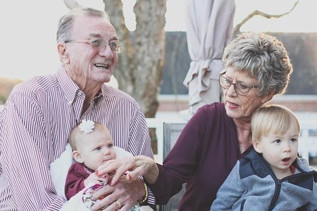 La esperanza de vida en el continente americano aumenta a 75 años
