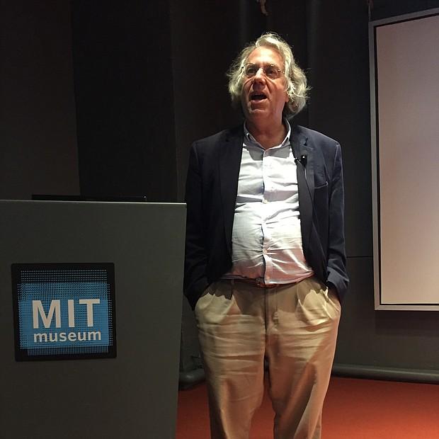 Kerry Emanuel, profesor de ciencias atmosféricas de MIT