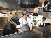"""Orlando """"cocina"""" en DC un proyecto de gastronomía venezolana, único en los EEUU."""