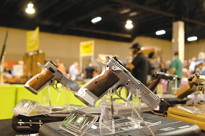 Demócratas piden no bloquear leyes para el control de armas