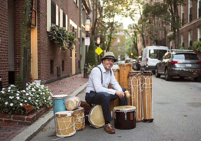 Percusionista en Boston busca apoyo para terminar su disco de jazz venezolano