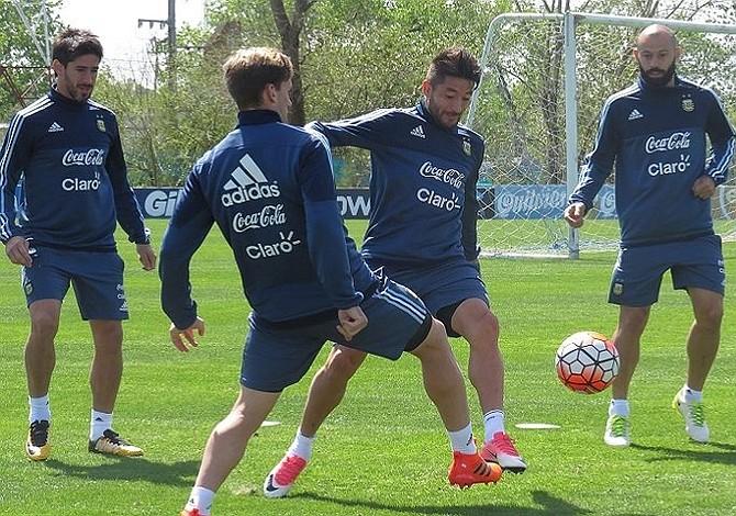 Ecuador intentará dejar a Argentina fuera del Mundial de Rusia cuando se enfrenten este martes en Quito