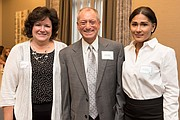Charlene Bauer, SVP de Marketing; Robert Cashman, Presidente y CEO de Metro Credit Union; y Saritin Rizzuto, AVP Community Relations & Latino Marketing Manager | MCU