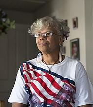 Sheila Procella, de Plano, Texas, es veterana de la Fuerza Aérea de Los Estados Unidos y de la Guardia Nacional de Texas. Fue diagnosticada con trauma sexual militar y trastorno por estrés post traumático en 2014, cerca de tres décadas después de haber cumplido sus servicios.