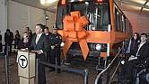 CRRC firmó un contrato de $566 millones con la MBTA que incluye la construcción de 152 coches de la Línea Naranja y 252 coches de la Línea Roja, equipado con nuevas tecnologías y mejoras en la accesibilidad
