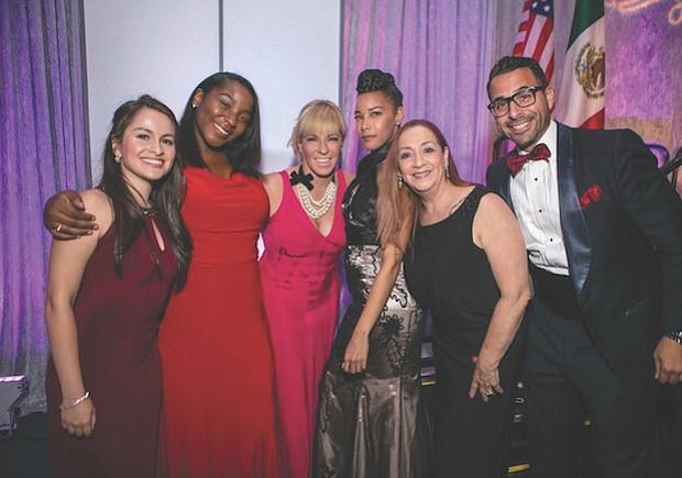 EQUIPO. El staff de Greater Washington Hispanic Chamber of Commerce (GWHCC). De izq. a der.: Manuela Celis, Maronel Stewart, Nicole Quiroga, Ashley Pierce, Alma Alfaro-Laska y Jason González.