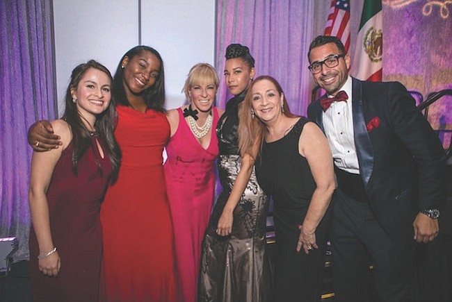 EQUIPO. El staff de Greater Washington Hispanic Chamber of Commerce (GWHCC). De izq. a der.: Manuela Celis, Maronel Stewart, Nicole Quiroga, Ashley Pierce, Alma Alfaro-Laska y Jason González.