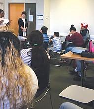 TALLER. Representantes de las escuelas Sidwell y Langley en la sesión informativa del Latino Student Fund realizada el sábado 7 de octubre en Washington, DC.