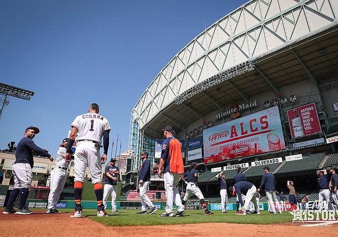 Astros y Yankees inician la batalla por el campeonato de la Americana
