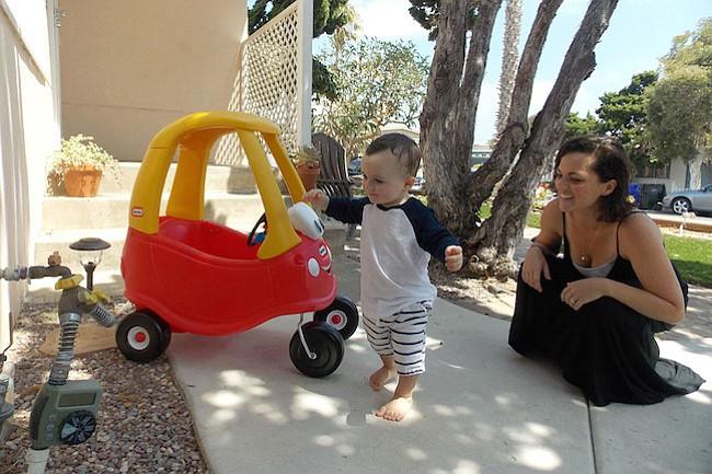 Mamás piden más pruebas genéticas para detectar extraños males en bebés