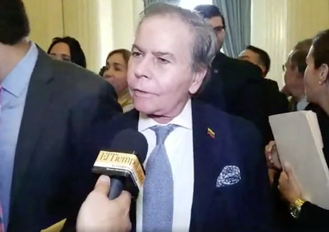 Diego Arria, Embajador y ex ministro (perseguido por el régimen): Este es un acto de reafirmación de esperanza, resistencia y estímulo para los venezolanos, que queremos rescatar la libertad. Es de una gallardía y dignidad, que venezolanos como estos magistrados hayan asumido en condiciones muy difíciles, una responsabilidad como esta.