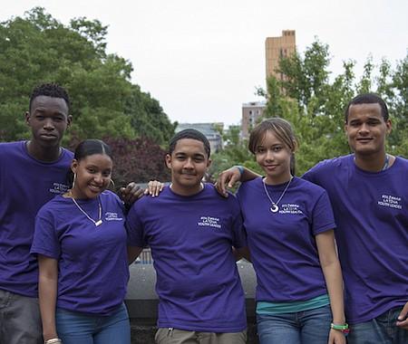 Un grupo de jóvenes de Sociedad Latina. Gracias al trabajo de estos jóvenes la organización pone en marcha diversas iniciativas en pro de nuestra comunidad.