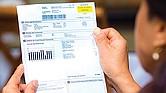 PROBLEMAS. Millones de hogares quedan sin luz por facturas impagas.