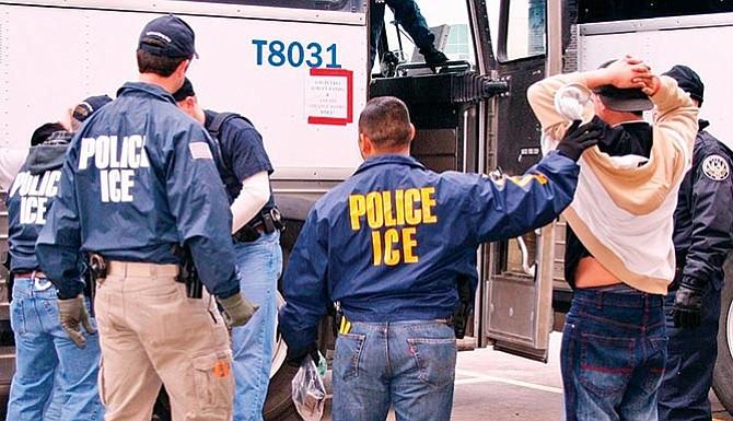EL PRÓXIMO AÑO: ICE hará más redadas en sitios de trabajo