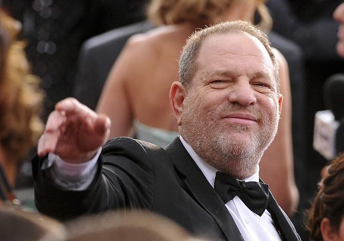 Weinstein renunció al consejo de administración de su empresa