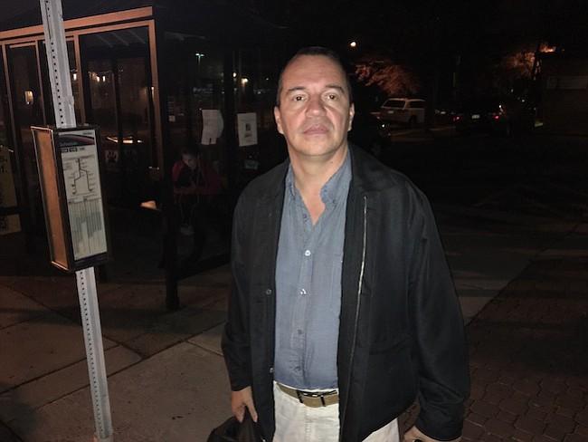 ALCALDE. Omar Lares concedió la entrevista a El Tiempo Latino en Alexandria, VA, el 14 de octubre de 2017.