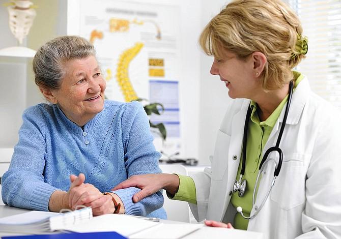 Para que tus medicamentos de Medicare cuesten menos, pregúntale a tu farmacéutico el precio en efectivo